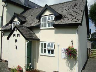 Comfortable 2 bedroom Cottage in Llangammarch Wells with Internet Access - Llangammarch Wells vacation rentals
