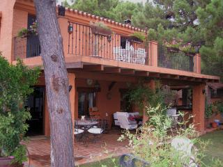 "Country House ""El Cabanon"" - Istan vacation rentals"