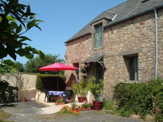 Longere du Bois, Crollon, Normandy,France - Avranches vacation rentals