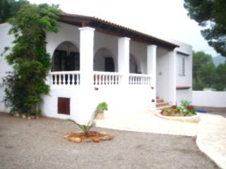 2 bedroom Villa with Kettle in Sant Carles de Peralta - Sant Carles de Peralta vacation rentals