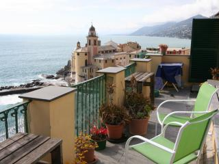 Amazing seaside apartment with roof terrace - Recco vacation rentals