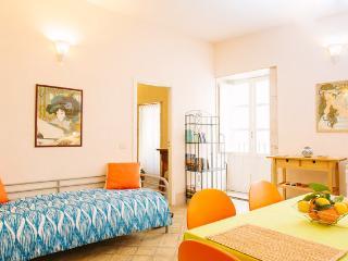 Comfortable 1 bedroom Vacation Rental in Syracuse - Syracuse vacation rentals
