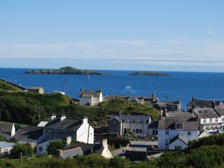 Lovely Cottage with Dishwasher and Iron - Aberdaron vacation rentals