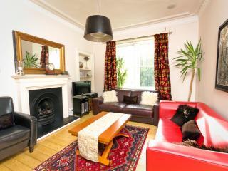 Excellent Edinburgh Apartment - Edinburgh vacation rentals
