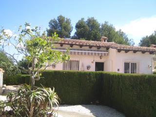 CASA JOPIE MORAIRA LOW BUDGET HOUSE - Moraira vacation rentals