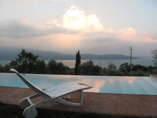 Romantic 1 bedroom Apartment in Toscolano-Maderno - Toscolano-Maderno vacation rentals