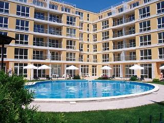 Flores Park Apts. Sunny Beach. Private pool. - Sunny Beach vacation rentals