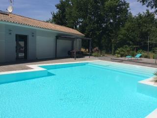 Grande Villa avec Piscine BRACH - proche Lacanau - Brach vacation rentals