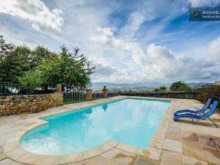 Beautiful 6 bedroom Lyon Chateau with Internet Access - Lyon vacation rentals