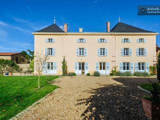 Beautiful 6 bedroom Chateau in Lyon with Internet Access - Lyon vacation rentals