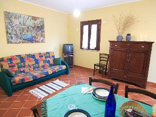 2 bedroom Farmhouse Barn with Internet Access in San Priamo - San Priamo vacation rentals