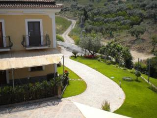 2 bedroom Farmhouse Barn with Internet Access in San Mauro Cilento - San Mauro Cilento vacation rentals