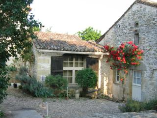 Nice Gite with Internet Access and Dishwasher - Montcaret vacation rentals