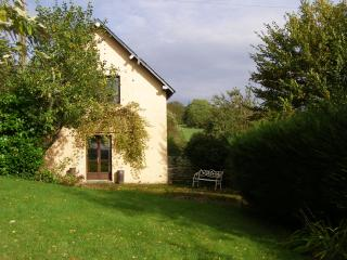 Comfortable 2 bedroom House in Mardilly with Central Heating - Mardilly vacation rentals
