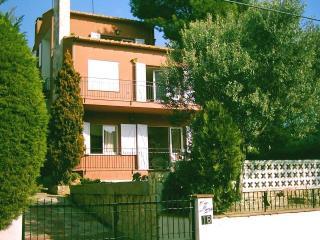 Cozy Calella De Palafrugell Studio rental with Shared Outdoor Pool - Calella De Palafrugell vacation rentals
