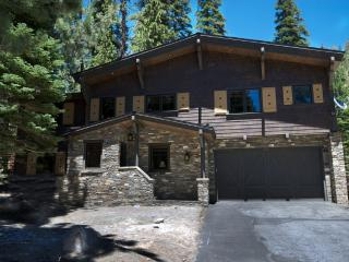 Beautiful Chalet Home Nestled in the Forest - Huntington Beach vacation rentals