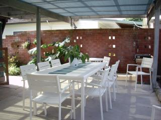 4 bedroom House with Deck in Currarong - Currarong vacation rentals