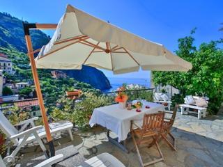 Villino Caterina House, Cinque Terre Charme - Riomaggiore vacation rentals