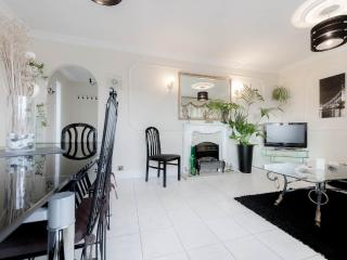 CENTRAL LONDON - 25 MINUTES - London vacation rentals
