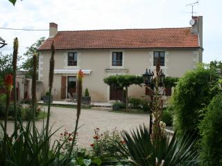 Chambre d'hôtes de La Maricé - Mirebeau vacation rentals