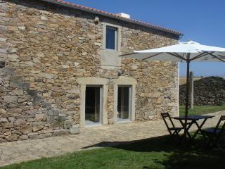 Stone cottage situated 1km from Natural Park - Mogadouro vacation rentals