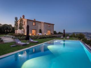 Perfect Villa with Internet Access and A/C - Pierantonio vacation rentals