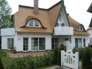 Vacation Apartment in Zingst - 753 sqft, house next to Baltic Sea, sauna (# 2624) - Zingst vacation rentals
