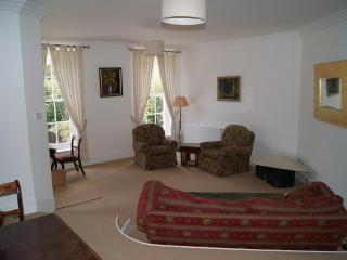 Digswell House: spacious 3 bedroom house, sleeps 5, part of regency mansion - Welwyn Garden City vacation rentals