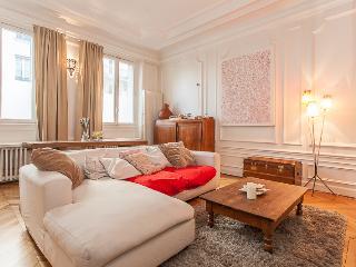 Garden Family flat - D'Abbeville, 10th - Paris vacation rentals