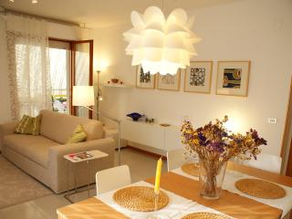 Air-con, fully furnished Apartment Sole - Lanciano vacation rentals