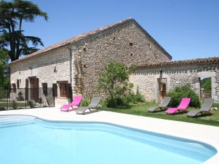 Gardes - 3 bedroom gite with private heated pool - Monflanquin vacation rentals