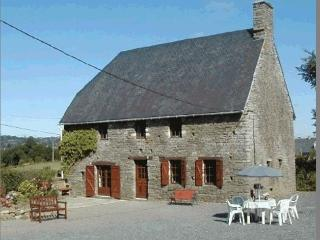 The Farmhouse Les Bessardieres - Vire vacation rentals