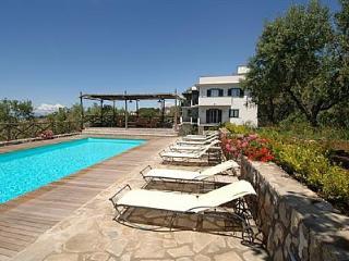 Bright 1 bedroom Vacation Rental in Sant'Agata sui Due Golfi - Sant'Agata sui Due Golfi vacation rentals