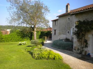 1 bedroom Gite with Internet Access in Riberac - Riberac vacation rentals