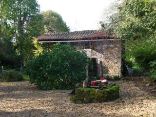 Lovely 1 bedroom Cottage in Cheronnac with Internet Access - Cheronnac vacation rentals