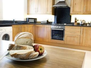 Buttercup Cottage Lakeview Holiday Cottages - Bridgwater vacation rentals
