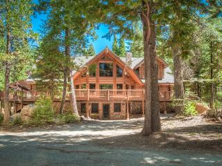 Secluded 5 Star Luxury Log Home near Lassen Park - Shingletown vacation rentals
