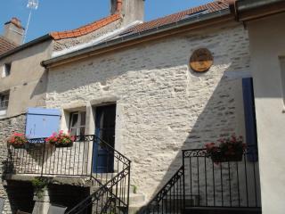 'Les Trois Croix'  Maison 1, Santenay, Côte d'Or - Santenay vacation rentals