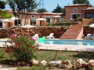 1 bedroom Bed and Breakfast with Internet Access in Roquebrune-sur-Argens - Roquebrune-sur-Argens vacation rentals