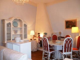 Appartamento Patrizia - Sea view and WI FI - Formia vacation rentals