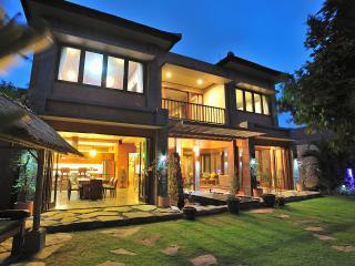 Beautiful Villa with Deck and Internet Access - Sanur vacation rentals