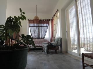 2 bedroom Townhouse with Swing Set in San Potito Sannitico - San Potito Sannitico vacation rentals