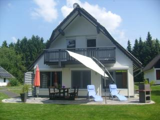 Cozy 3 bedroom Frielendorf House with Internet Access - Frielendorf vacation rentals