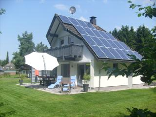 Luxusferienhaus am Silbersee - Frielendorf vacation rentals