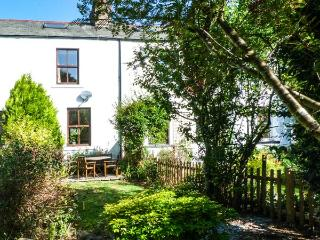 BETHANY'S COTTAGE, pet-friendly, over three floors, woodburner, WiFi, in Coniston Ref 29604 - Coniston vacation rentals