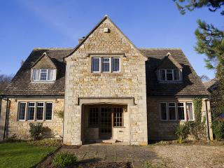 Perfect House with Internet Access and Satellite Or Cable TV - Lower Slaughter vacation rentals