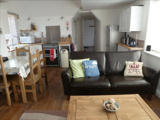 Lovely Apartment in Cromer with Satellite Or Cable TV, sleeps 5 - Cromer vacation rentals