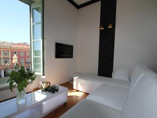 Nice Massena hotel apartment in the heart of the city - Nice vacation rentals