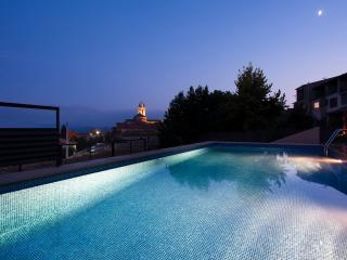 Ground floor with terrace - Castelltercol vacation rentals