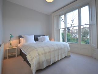 Split level 3 bed sleeps 5 Notting Hill - London vacation rentals